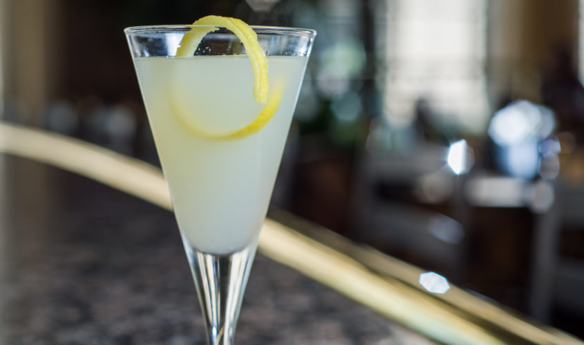 Oliver's happy hour Corpse Reviver No. 2